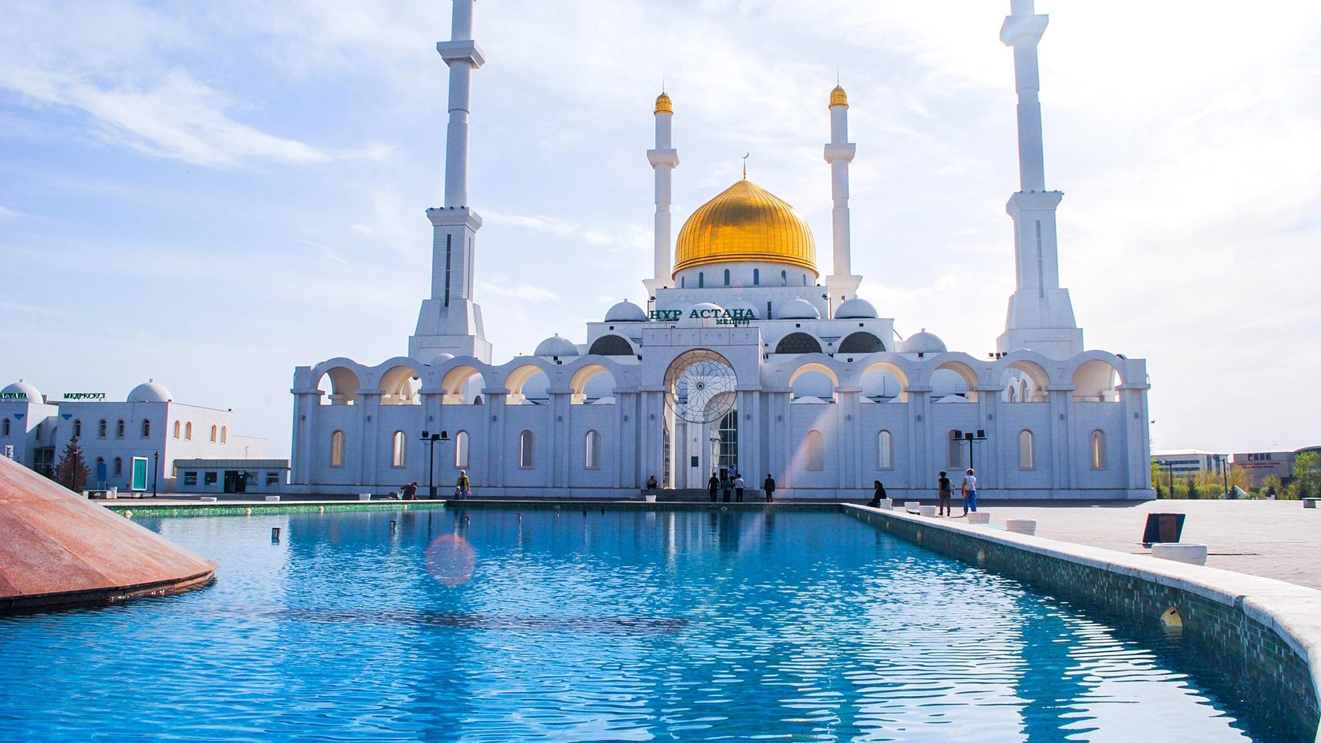 BUAT MASJID MEWAH DAN MEGAH BUKAN AMALAN ISLAM